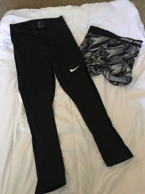 Nike pro size xs for Sale in Naperville, IL
