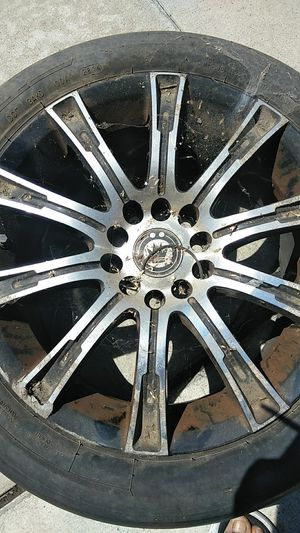 "5 lug 17"" rims I paid $600 asking $350 maybe $250 cash for Sale in Colton, CA"