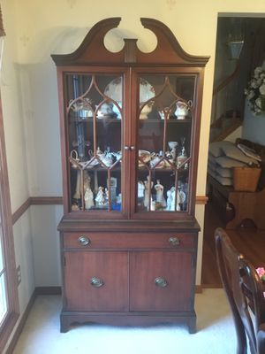 China Cabinet Hutch Antique Vintage Mahogany Dining Room Curio Buffet for Sale in Twinsburg, OH