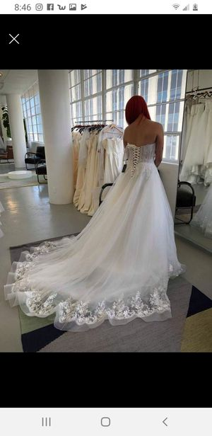 Size 4 ivory wedding dress and veil for Sale in Anaheim, CA