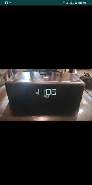 Ihome 3 in 1 docking station . ipod/iphone/iPad for Sale in Las Vegas, NV