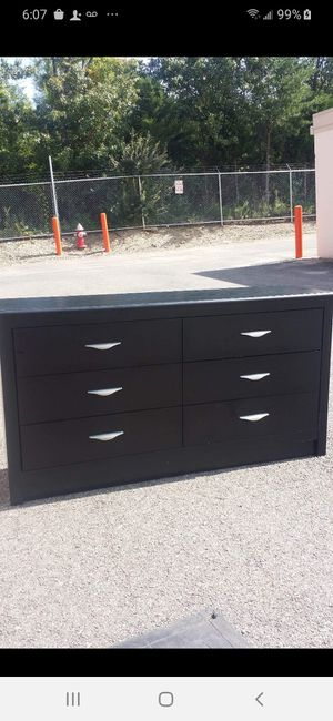 MODERN BLACK DRESSER WITH 6 DRAWERS DRAWERS SLIDING SMOOTHLY EXCELLENT CONDITION for Sale in Fairfax, VA