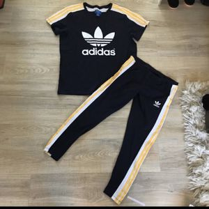 ADIDAS X RITA ORA COSMIC CONFESSIONS T-SHIRT & MATCHING LEGGINGS OUTFIT SET for Sale in Mountlake Terrace, WA