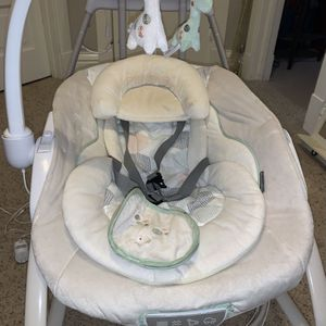 Baby Swing and Rocker for Sale in Plainfield, IL