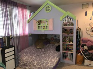 Purple princess bed , queen and twin loft for Sale in Issaquah, WA