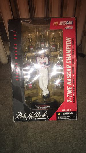 DALE EARNHARDT 7 TIME NASCAR CHAMPION COLLECTIBLE for Sale in Monroe, MI