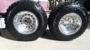 Tires and rims 31x 10s.50R15s for Sale in Bell Gardens, CA