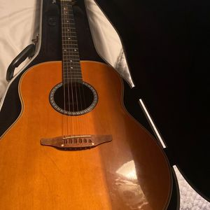 VINTAGE 70'S OVATION GUITAR for Sale in Modesto, CA