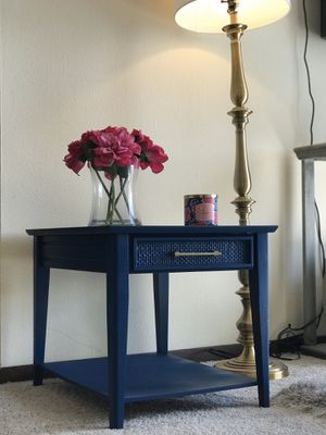 End table/Night stand. for Sale in Peoria, IL