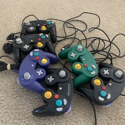 6 GameCube Controllers for Sale in Orlando,  FL