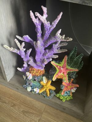 Beautiful mermaid fish tank decorations for Sale in Fort Washington, MD