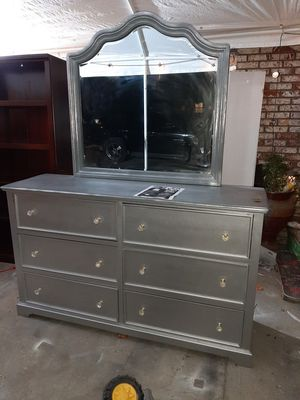 Dresser new for Sale in Parlier, CA