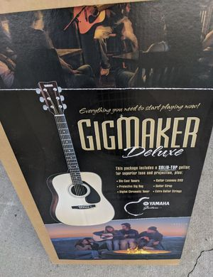 Yamaha Gigmaker Deluxe Guitar (Acoustic) for Sale in Culver City, CA