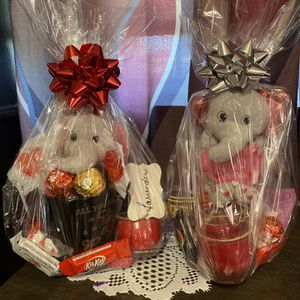 San Valentine gift (pickup available) for Sale in Orlando, FL