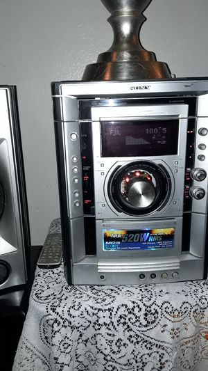 SONY Stereo System/With 4 Speakers for Sale in Las Vegas, NV