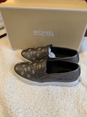 Women's Michael Kors sneakers size 7.5 for Sale in The Bronx, NY