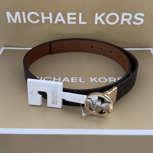 Michael Kors Women's Belt - brown NWT Size Medium Serious inquires only please Low offers will be ignored Pick up location in the city of poco Rive for Sale in Whittier, CA