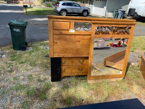 Bedroom set for Sale in Puyallup, WA