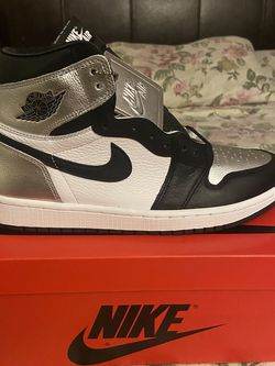 Air Jordan 1 Silver Toe Size 8 9.5 W for Sale in Pico Rivera,  CA