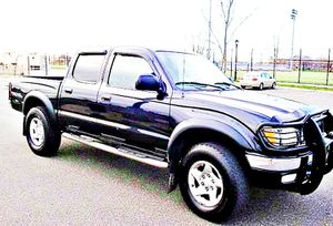 $1,4OO I'm selling urgentl 2OO4 Toyota Tacoma. for Sale in Washington, DC