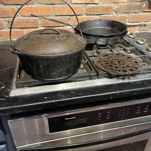 Large Heavy Lodge 8 Quart Cast Iron Dutch Oven with Lid for Sale in Suffolk, VA