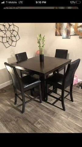 Kitchen table and chairs for Sale in Denver, CO