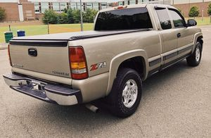 2002 Chevrolet Silverado Automatic good Windows for Sale in Laredo, TX