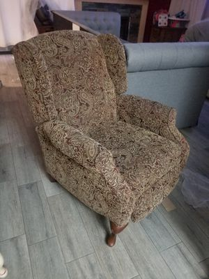 FREE RECLINER for Sale in Chino, CA