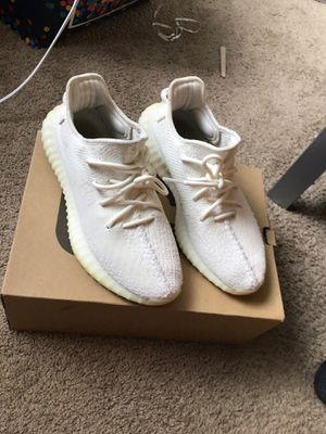 YEEZY BOOTS 350 V2 for Sale in Lakewood, OH