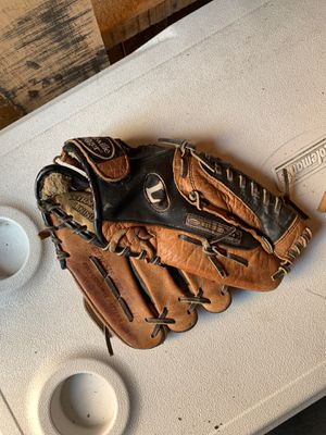 Baseball glove for Sale in Hanover Park, IL