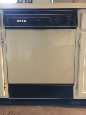 Whirlpool Dishwasher in perfect working condition for Sale in Chantilly, VA