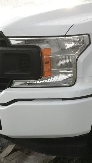 F150 headlights like new 2018 and up for Sale in Hialeah, FL