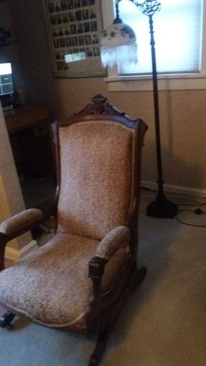 1800's antique rocker chair for Sale in Cleveland, OH