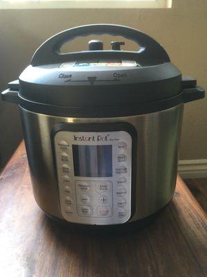 Instant Pot Duo Plus 6 quart 9-in-1 for Sale in San Marcos, CA
