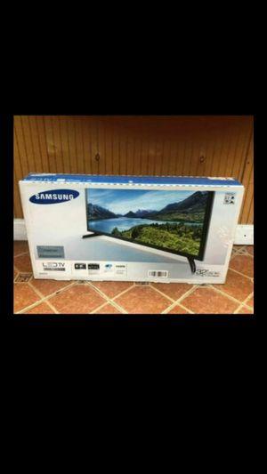 Samsung Series 4 J4000 TV for Sale in Pompano Beach, FL