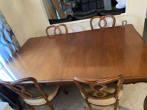 Wood table with 6 chairs for Sale in Davie, FL