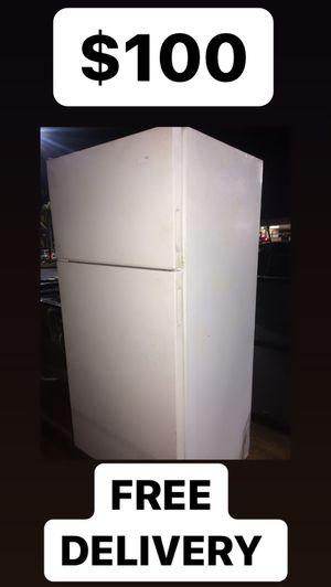 Kenmore Refri White 30 Cubic for Sale in Huntington Beach, CA