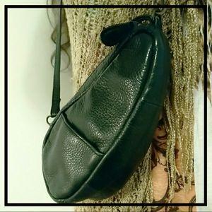 Vintage L.L. Bean AmeriBag Black Leather Kidney Shaped Crossbody Bag for Sale in Bellingham, WA
