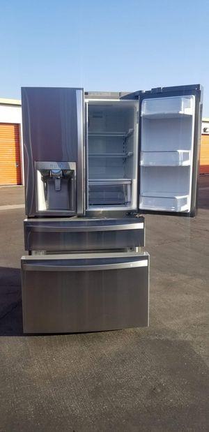 Refrigerator Kenmore Elite for Sale in Culver City, CA