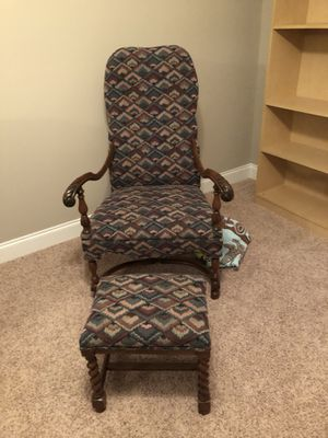 Antique Chair with ottoman for Sale in Lexington, SC