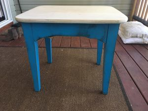 Shabby chic table for Sale in Durham, NC