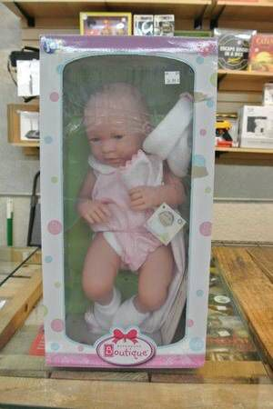 JC Toys 17″ All Vinyl Realistic Baby Girl Doll w/ Pink 1 Pc & Blanket for Sale in Mesa, AZ
