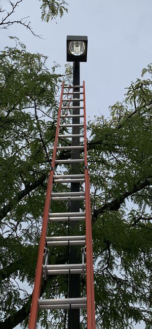 New 36 ft. 300 lb Heavy Duty Ex. Ladder for Sale in Melrose Park, IL