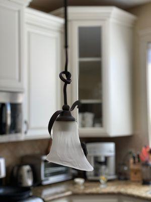 (x2) Elegant kitchen counter hanging lights for Sale in Ridgefield, WA