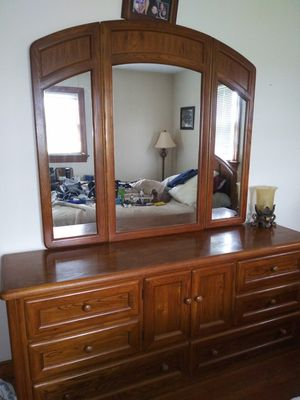 Vintage Thomasville bedroom furniture set for Sale in Chesterfield, VA