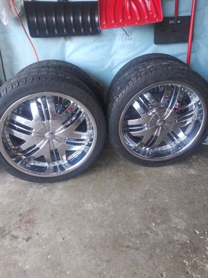 22-inch wheels rrims. Chrome. By ford. Universal. In bery good condition. LIKE NEWS. RIMS AND TIRES. for Sale in Elgin, IL