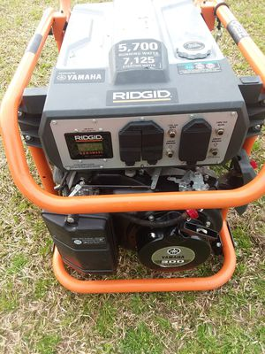 Ridgid generator 5,700 running watts 7,125 starting watts for Sale in Willow Spring, NC