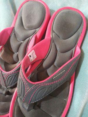 Womens USED WORN Memory Foam Flip Flops for Sale in Colorado Springs, CO