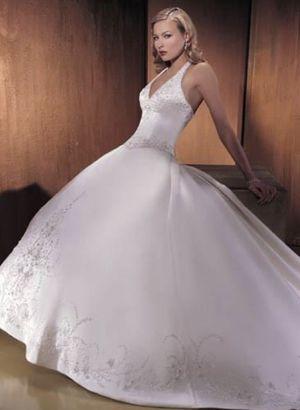 Sz 18, street size 14 brand new wedding dress for Sale in Walpole, MA