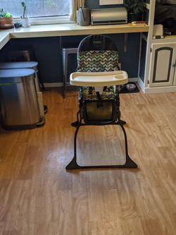Costco Simple Fold Highchair for Sale in Portland,  OR